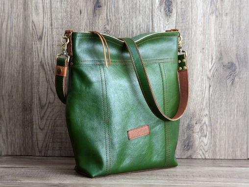 green leather hobo bag grishina 02